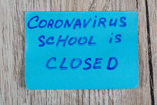 Inscription - coronavirus school is closed