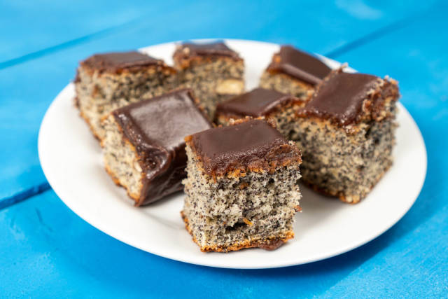 Poppy Seed cake with Chocolate topping