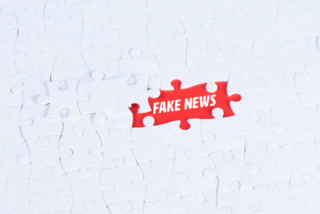 Missing puzzle pieces with a Fake News text