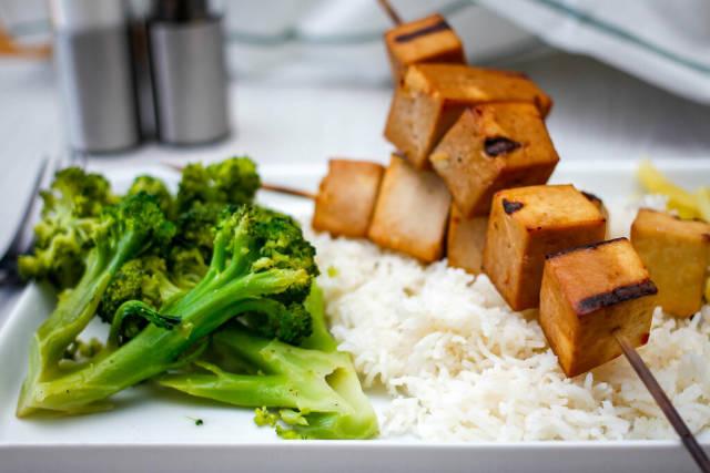 Tofu Kebabs with Rice and Broccoli