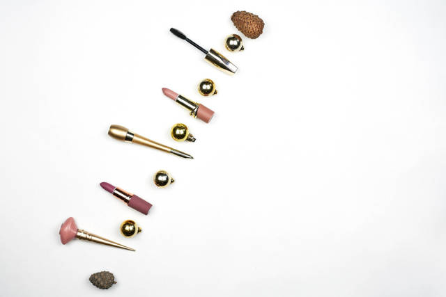Make-up and cosmetics product with Christmas decorations