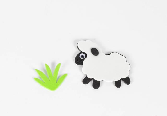 Schaf isst Gras