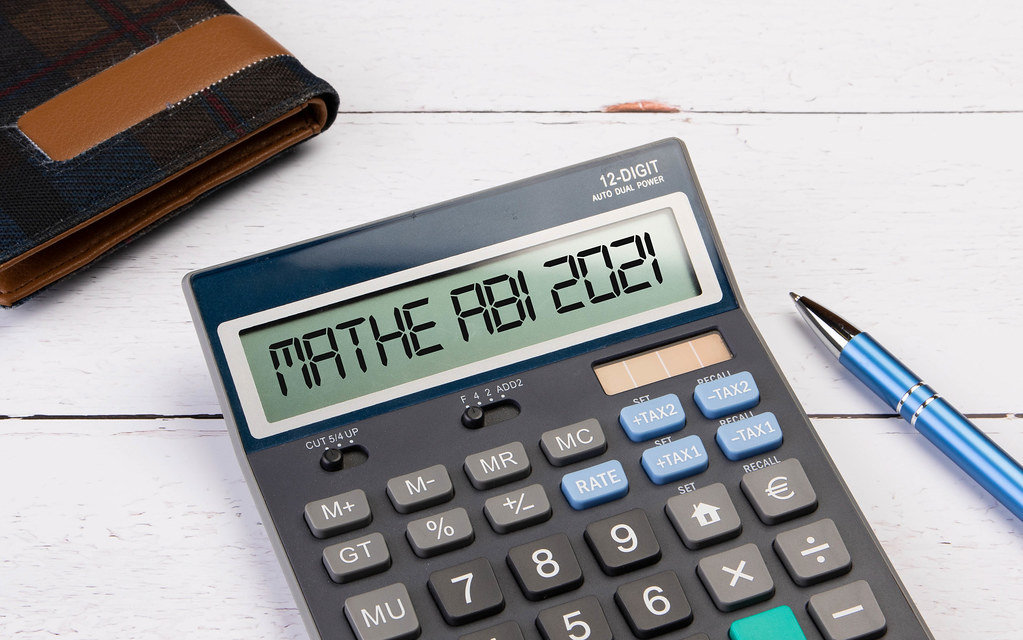 Calculator with the text Mathe Abi 2021 on the display - Kostenloses Foto  auf ccnull.de