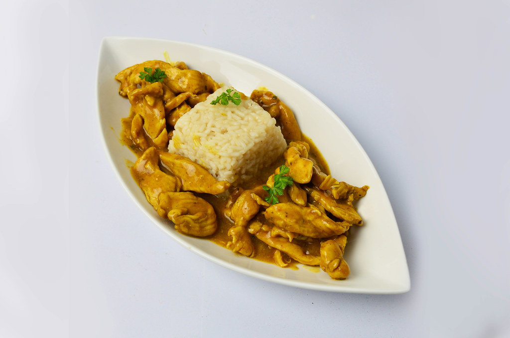 Chicken in curry sauce with rice