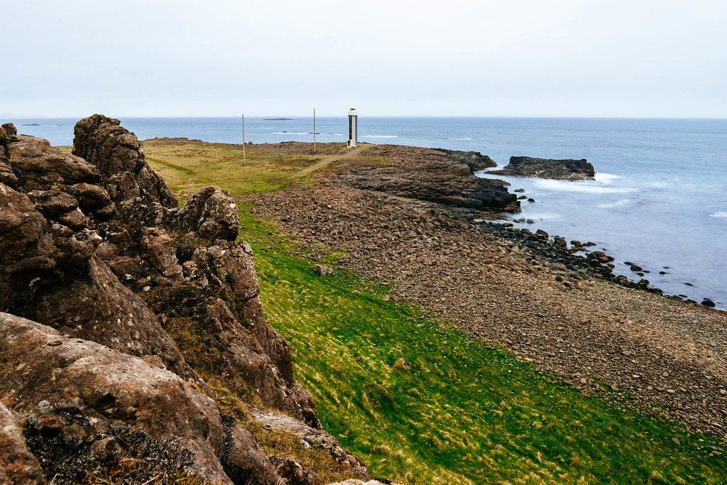 Lighthouse on the coast / Leuchtturm an der Küste