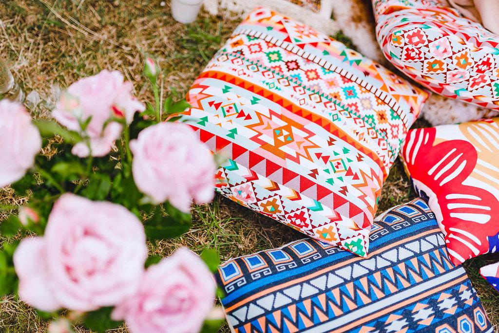 Bohemian Pillows Decor And Roses - Kostenloses Foto auf ccnull.de