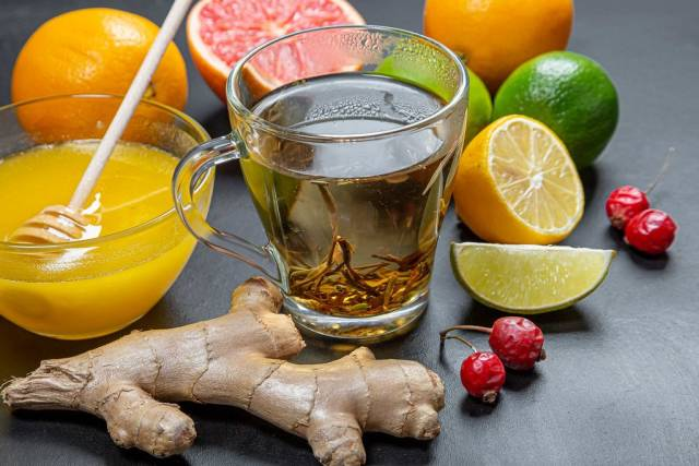 Products, fruit and green tea to strengthen the immune system (Flip 2019)