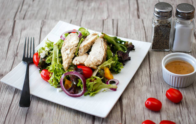 Chicken Salad with tomato and cucumber