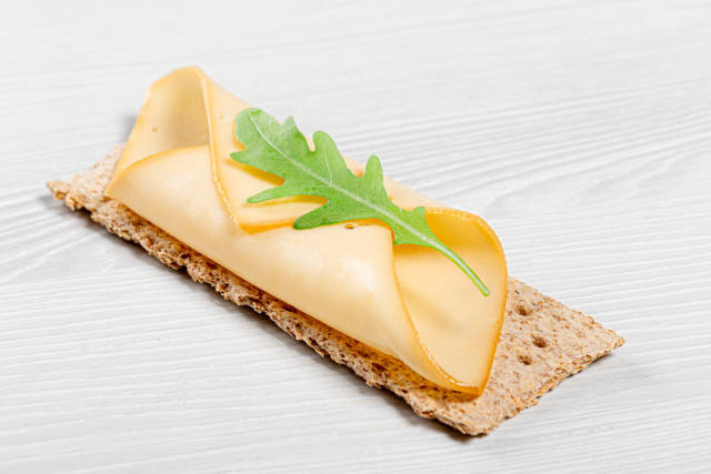 Diet sandwich with arugula and cheese