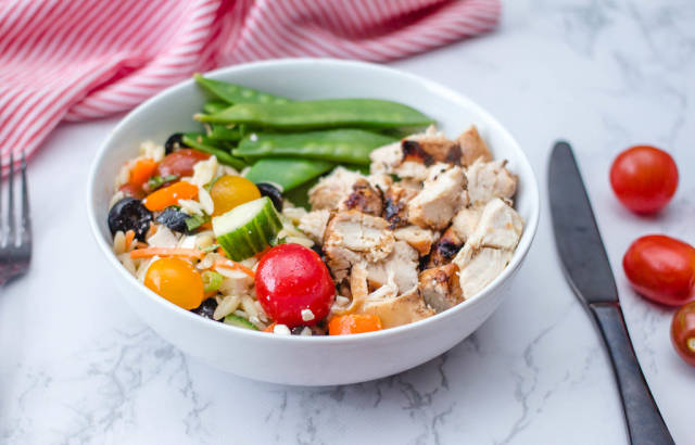Chicken in a Bowl with Salad and Snow Pea