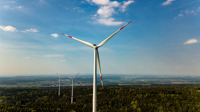 Drohnenfoto des neuen Windparks Straubenhardt