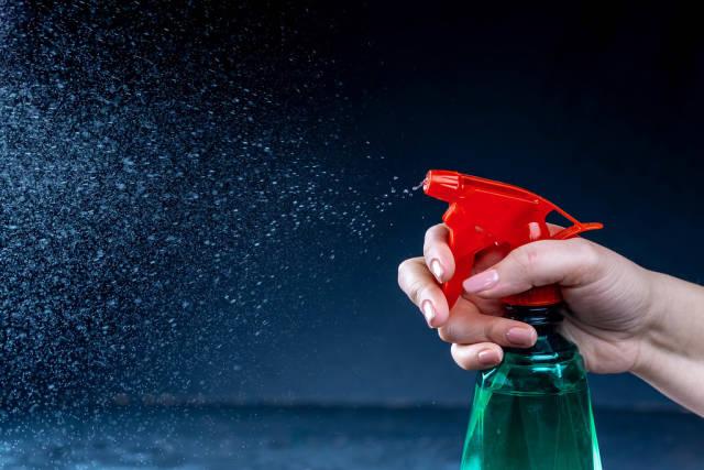 Sprayed liquid from the atomizer