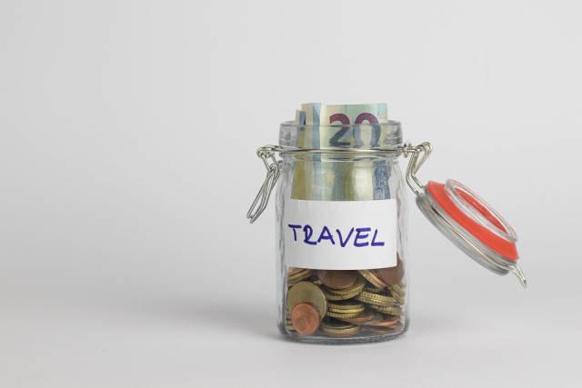 Reisegeld in verschließbarem Glas aufbewahren