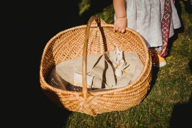 Holding Basket With Linen Fabrics