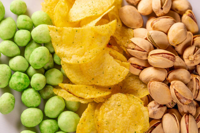 Pistachios, chips and peanuts