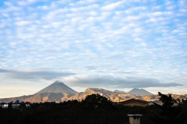 Wunderschöner Ausblick auf die Vulkane Agua, Fuego und Acatenango