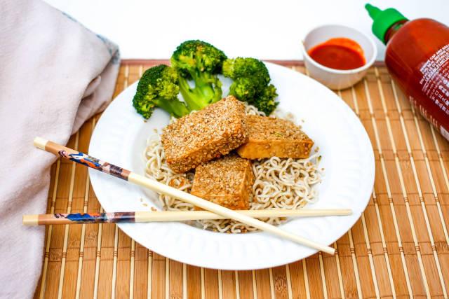 Sesame Tofu With Ramen Pasta and Broccoli