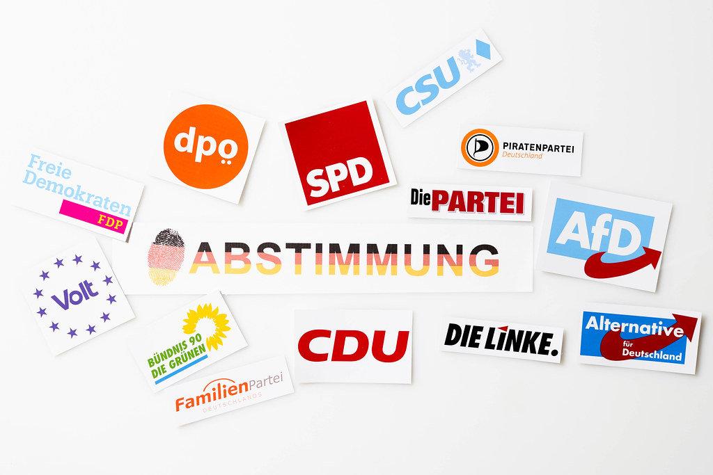 """Parteilogos in Deutschland für die Bundestagswahl 2021: Symbole und Schrift """"Abstimmung"""