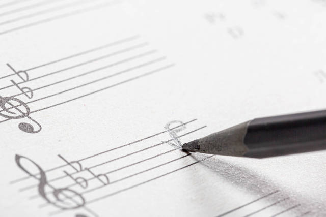 Pencil drawn notes on music manuscript