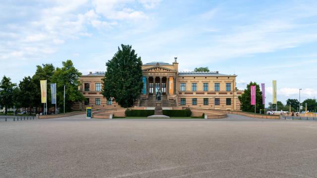 Staatliches Museum Schwerin – art museum in Schwerin with the statue of Paul Friedrich in front of it