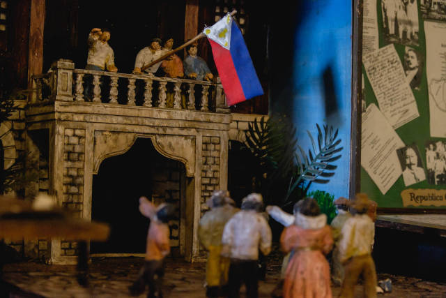 Miniature models of historic events in Balay Negrense Museum