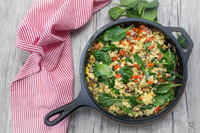 Scrambles Eggs with Red Pepper and Spinach Top View
