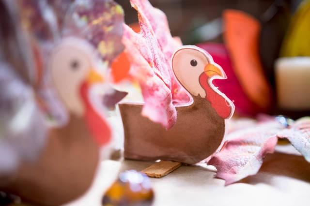 Handgemachte Puten als Dekoration für Thanksgiving