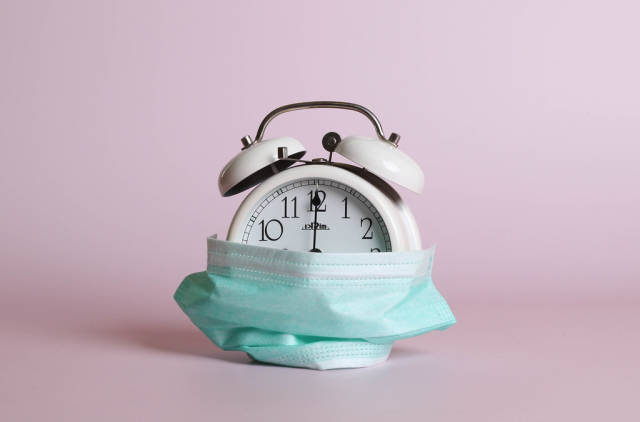 Alarm clock with safety mask