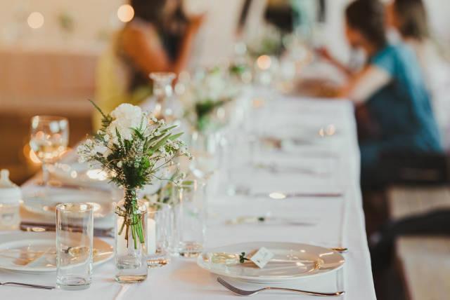 White Rose Decor On Glass Vase With TableSet