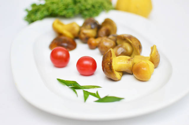 Pickled mushrooms / Eingelegte Pilze