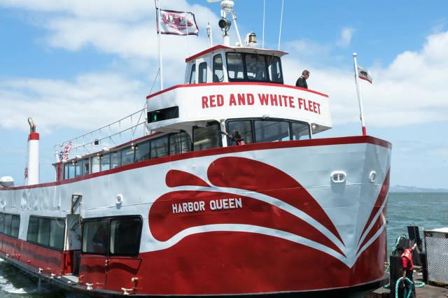 Eine Fähre von RED AND WHITE FLEET