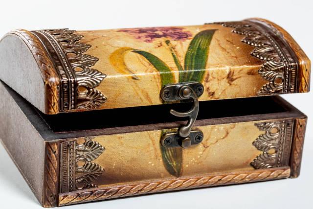 Retro braun box