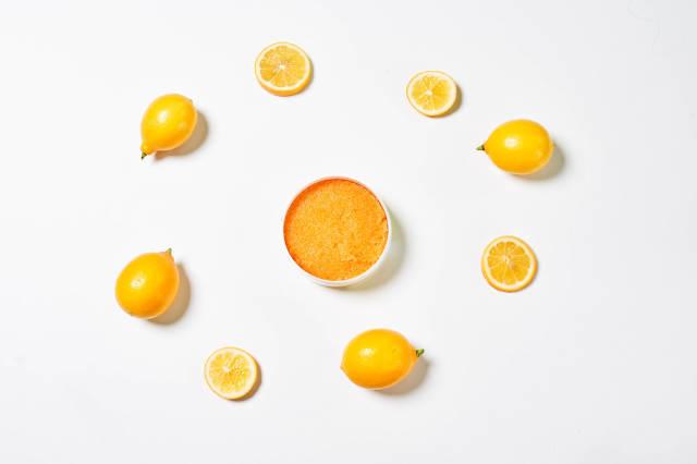 Lemon scrub with sugar, honey and olive oil