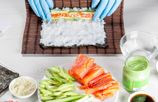Sushi roll process preparations
