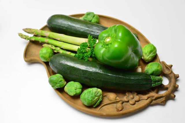 Green peppers, brussels sprouts, asparagus and zucchini