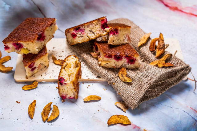 Apple Cake pieces with berries