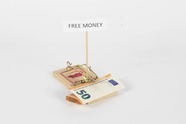 Mausefalle mit 50 Euro Geldschein als Köder