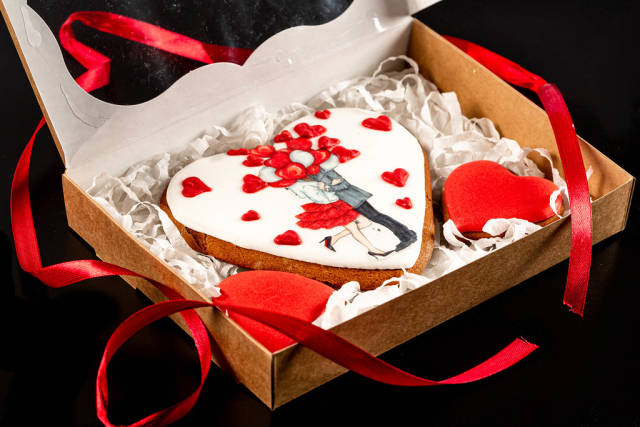 Gingerbread cookies in the form of heart for valentines day