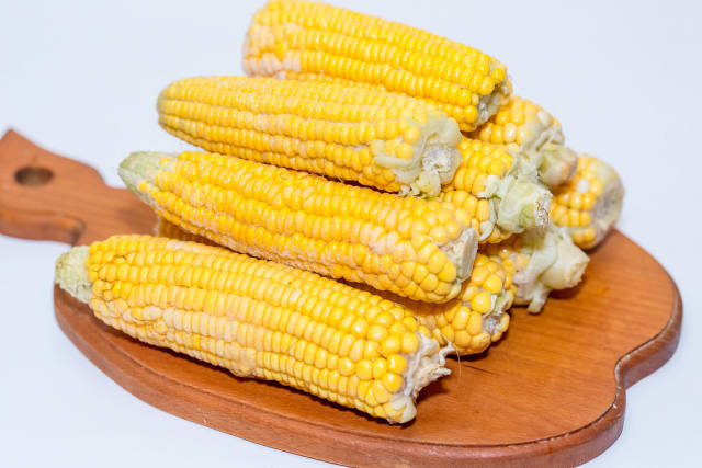 Frozen heads of corn