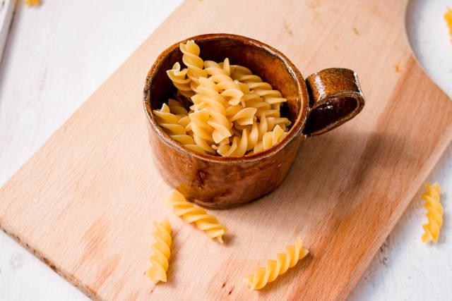 Spiral pasta in bowl