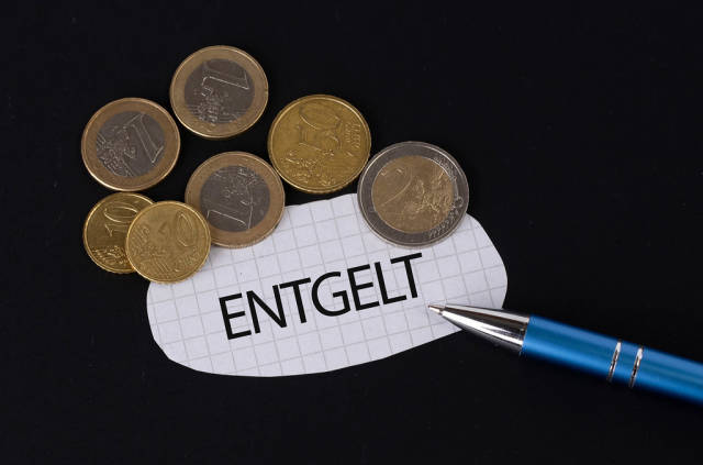 Entgelt text on piece of paper