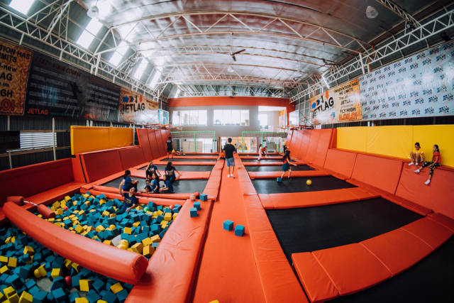 Wide shot of Jetlag Amusement Center in Iloilo City