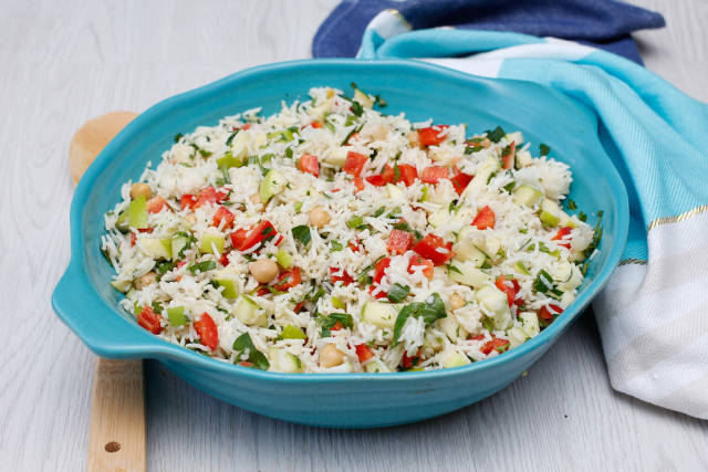Rice Salad with Chickpea, Pepper and Cucumber