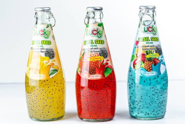 Frucht Cocktails in Flaschen