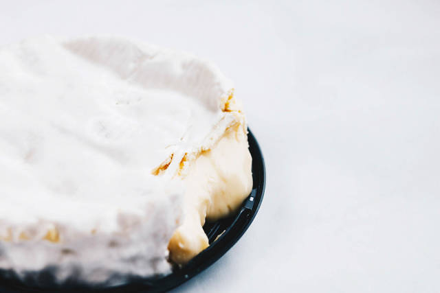 Nahaufnahme von Camembert-Käse
