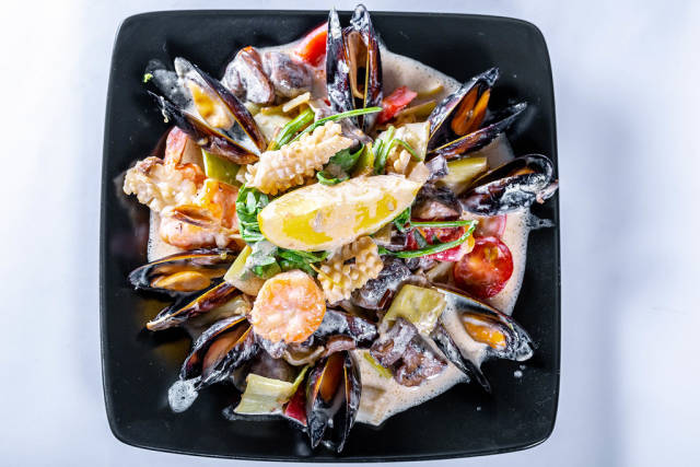 Delicious seafood with sauce