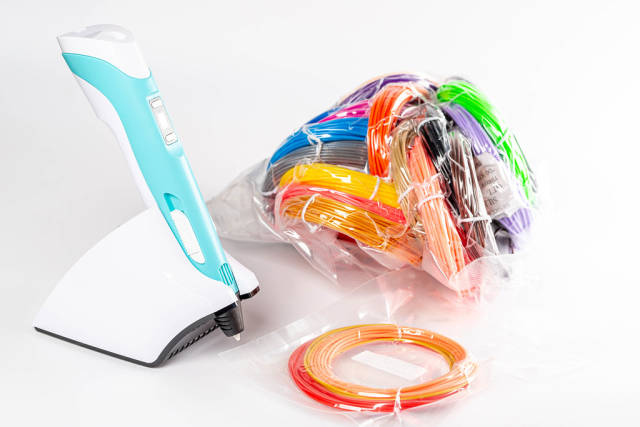 Modern set for childrens creativity-3d pen with multi-colored plastic for 3d printing