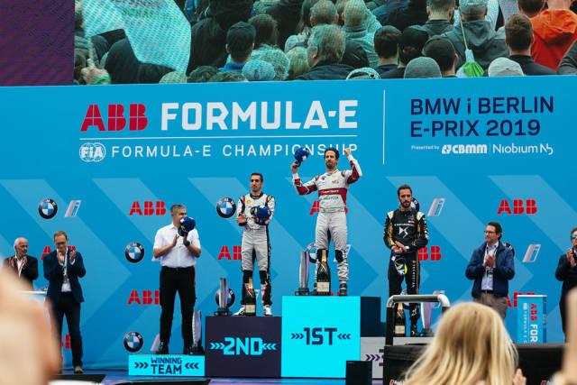 Lucas di Grassi, Sébastien BUEMI and Jean-Éric VERGNE celebrating on the podium