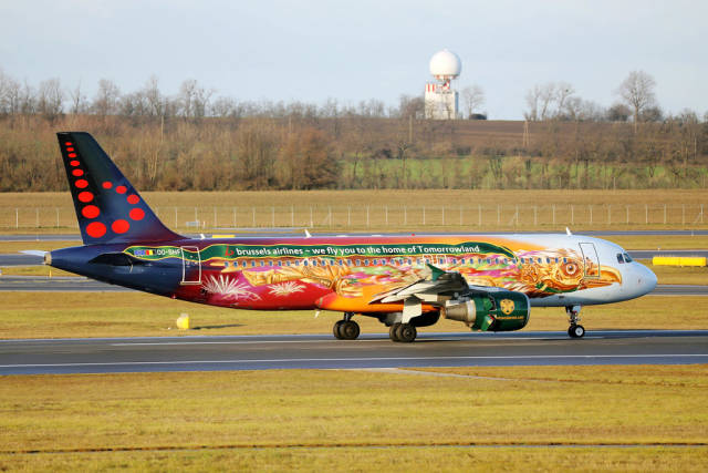 Brussels Airlines, special livery, 00-SNF at Vienna Airport, VIE