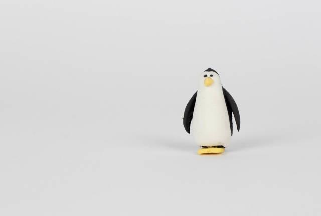Badespielzeug in Form eines Pinguins